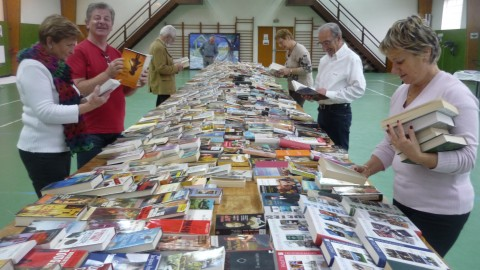 Un millier de livres échangés : Cmcas Angoulême